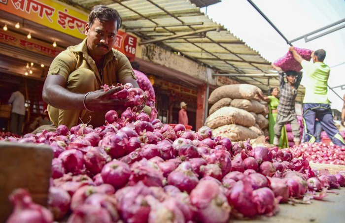 Retail onion prices are ruling at an average Rs 100 per kg in major cities, but rates are as high as Rs 160 per kg in some parts of the country.