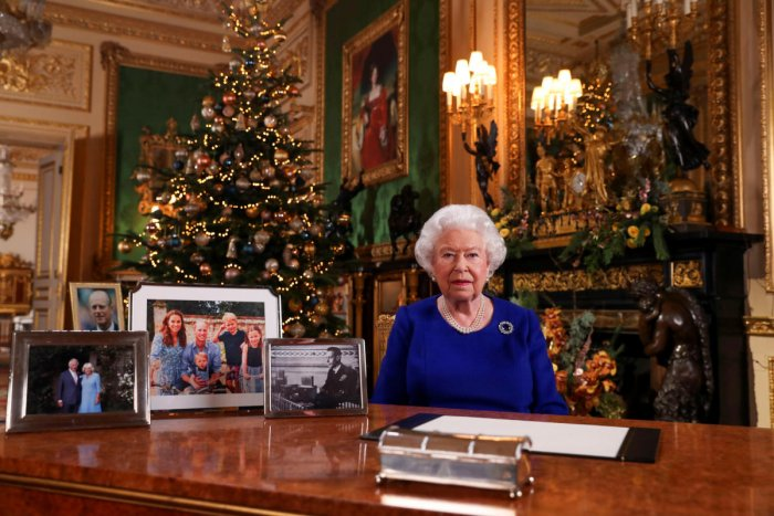 Britain's Queen Elizabeth poses, after recording her annual Christmas Day message in Windsor Castle, in Berkshire, Britain. (Reuters Photo)