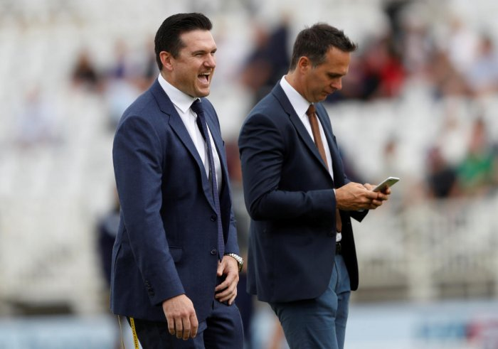 Former cricketer's Graeme Smith and former England captain Michael Vaughan. (Reuters Photo)