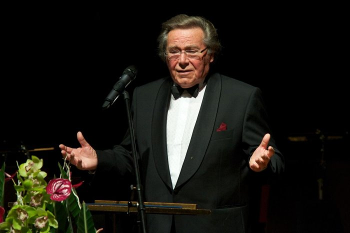 German singer and conductor Peter Schreier, widely regarded as one of the leading lyric tenors of the 20th century, died at the age of 84 after a long illness. (AFP)