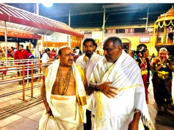 Minister for Parliamentary Affairs, Law and Minor Irrigation J C Madhu Swamy, along with MLA B M Sukumar Shetty visits Mookambika Temple in Kollur.