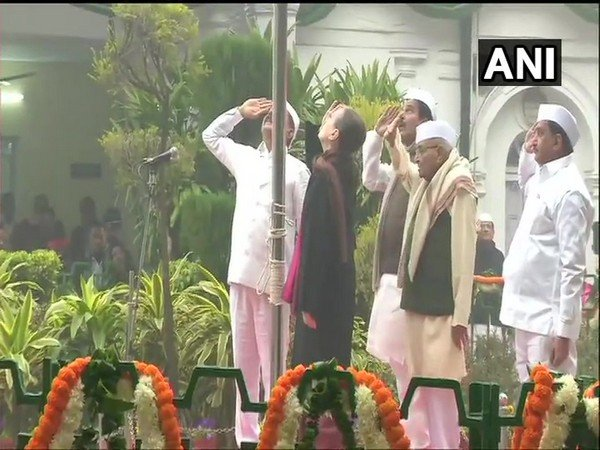 Sonia Gandhi and Singh also distributed sweets among children present at the ceremony. (Photo/ANI)