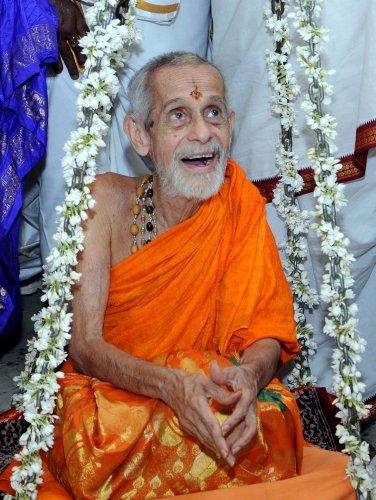 Pejawar seer Vishwesha Theertha (DH Photo/Govindraj Javali)