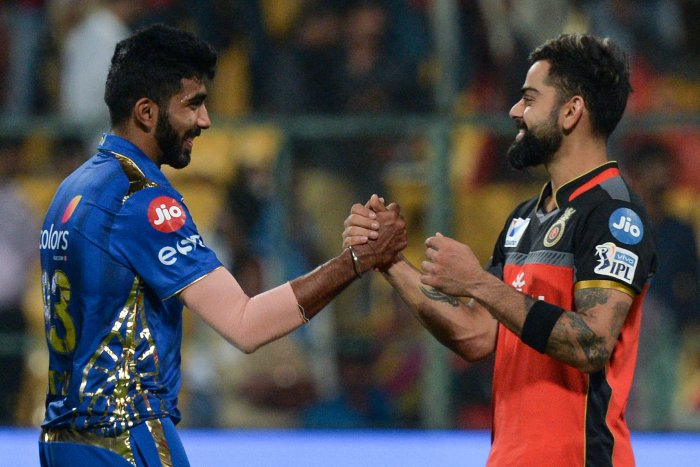 Jasprit Bumrah (L) and Virat Kohli. (AFP Photo)