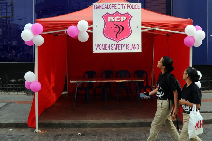 Security arrangement on MG Road – Brigade road in Bengaluru on New Year's Eve as several people are expected to celebrate. | Pushkar V