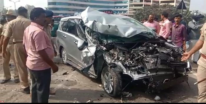An escort vehicle of the chief minister that met with an accident on the Yeshwantpur flyover on Tuesday. SPECIAL ARRANGEMENT