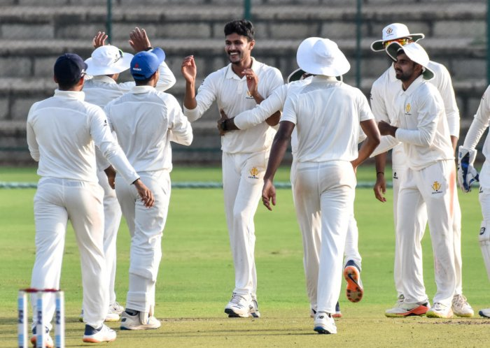 V Koushik was the star as Karnataka bowled Mumbai out for 194 on the opening day of their Ranji Trophy encounter on Friday. DH FILE PHOTO