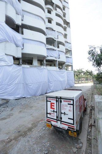 Explosives being carried to one of the five high-rises at Kochi in Kerala to be demolished on January 11 and 12. (DH Photo)