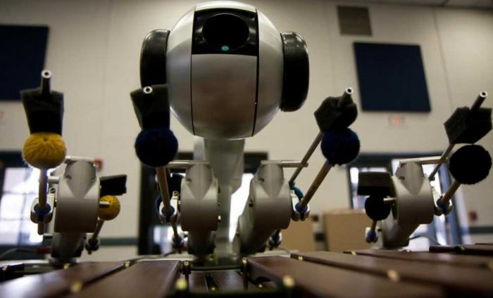 New AI robot creates its own music [Video]