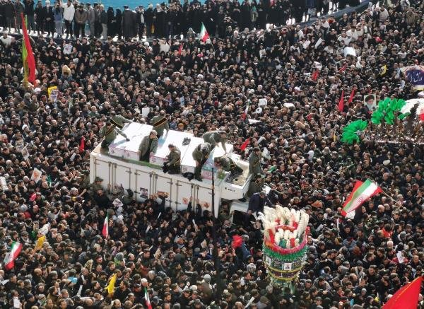 Mourners gather to pay homage to top Iranian military commander Qasem Soleimani, after he was killed in a US strike in Baghdad, in the capital Tehran on January 6, 2020. (AFP Photo)