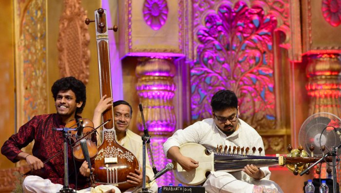 The Ramanavami music festival at Fort High School promotes Indian classical music, both Carnatic and Hindustani. This year, Sumanth Manjunath and Indrayuddh Majumder presented a jugalbandi featuring the two styles.