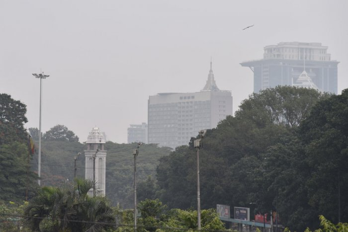 Bengaluru witnessed cloudy weather on Monday. DH Photo/S K Dinesh