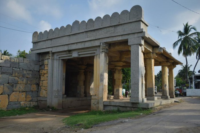 Modaline Bagilu or first gate of Anegundi. PHOTOS BY AUTHORS