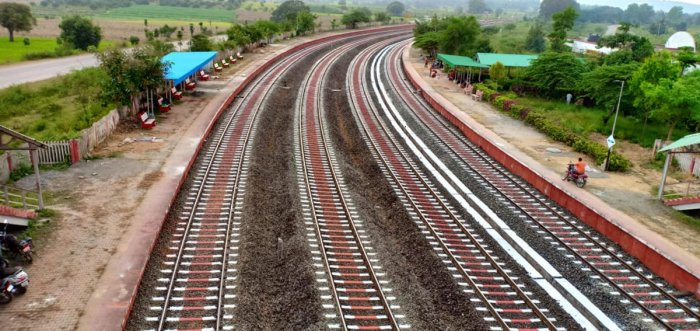 The 10-km railway track near the Mugad Railway Station in Dharwad taluk painted with red and white colour. DH Photo