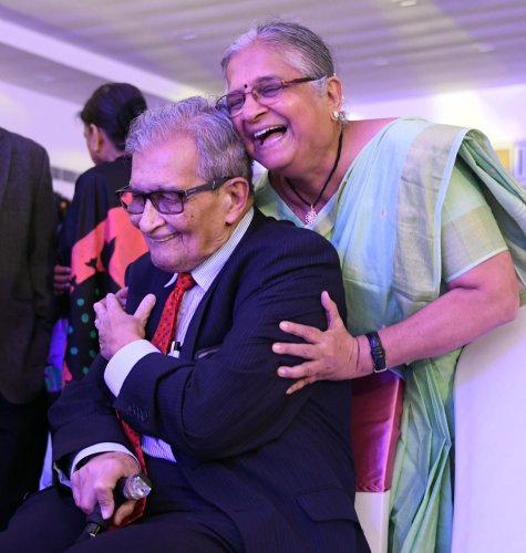 Sudha Murty, chairperson of Infosys Foundation, greets Nobel laureate Amartya Sen during the awards ceremony on Tuesday. DH Photo/Pushkar V