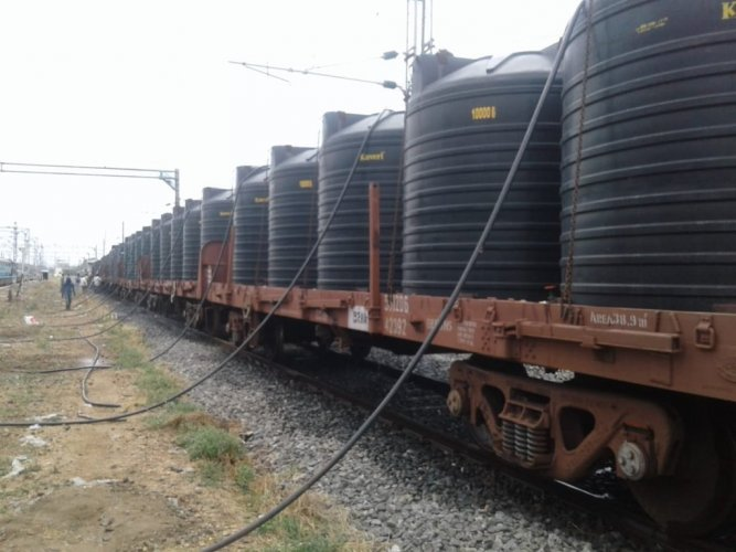 Central Railway and Western Railway on Sunday sent over 23 lakh litres of drinking water to Kerala by special trains. (Image: @RailMinIndia)
