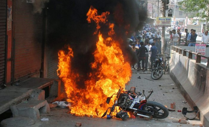 Incidences of violence were reported from various parts of Bengal in order to enforce Bharat Bandh. (PTI Photo)