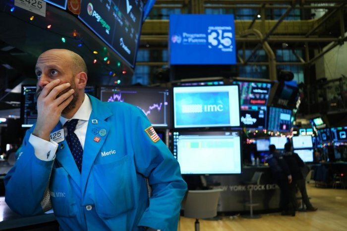 Traders work on the floor of the New York Stock Exchange (NYSE) on January 03, 2020, in New York City. Following news that the U.S. military killed Qasem Soleimani, the leader of Irans elite paramilitary forces, global stocks and oil prices fell with the