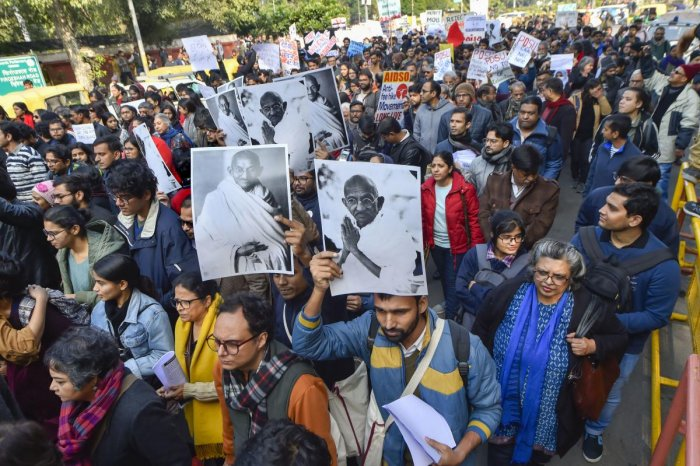 JNU students during their protest march from Mandi House to HRD Ministry, demanding the removal of the university vice-chancellor. (PTI PHOTO)