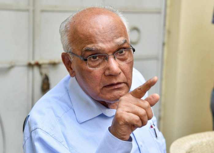 Writer S L Bhyrappa said, the Congress and the Left parties are unnecessarily misleading the people, to create unrest in the nation.