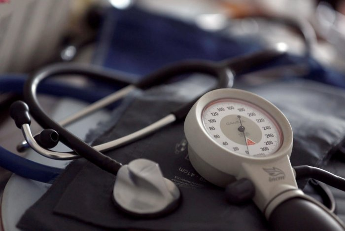 A photo illustration shows a stethoscope and blood-pressure machine. (REUTERS photo)