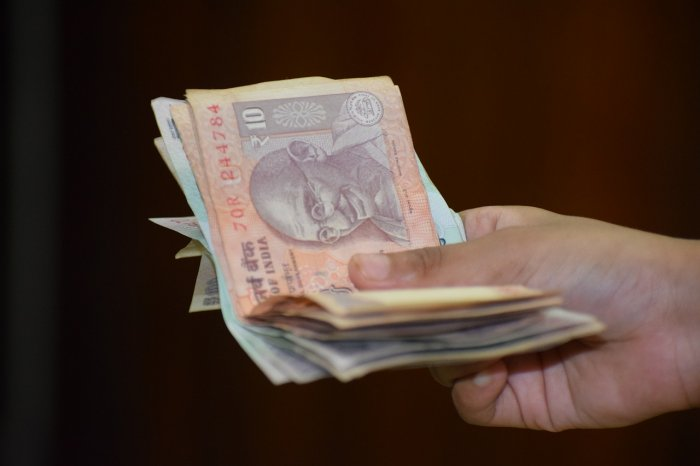On Monday,rupeehad settled for the day at 70.86 against the US dollar.