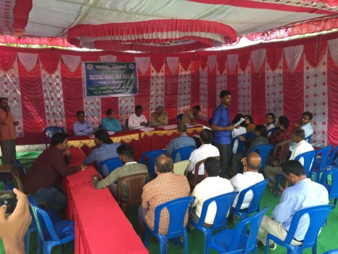 Participants at the public consultation meet organised on Tuesday to get collect opinion on cutting down trees to widen Anekal-Sarjapura Road. DH Photo/Niranjan Kaggere
