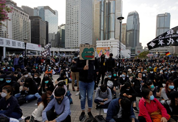 Anti-government protesters demonstrate during a protest at Edinburgh Place in Hong Kong, China. (Reuters Photo)