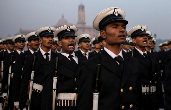 Soldiers take part in the rehearsal for the Republic Day parade early morning in New Delhi, India, January 13, 2020. (REUTERS photo)