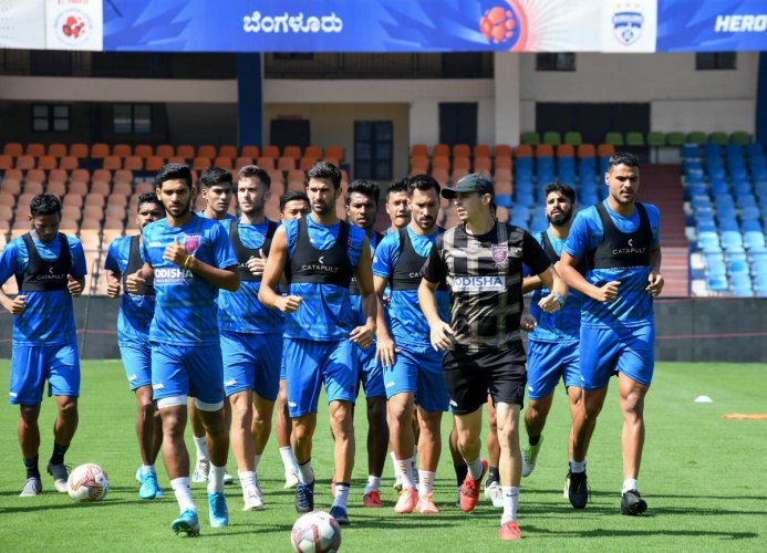 Odisha FC team during the practice session on the eve of their ISL match against Bengaluru FC at the Sree Kanteerava Stadium in Bengaluru. DH PHOTO/ BH SHIVAKUMAR