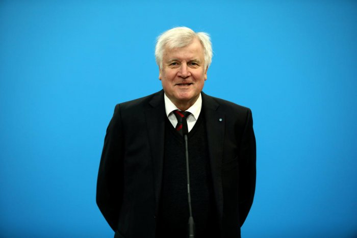 Leader of the Christian Social Union (CSU) Horst Seehofer during a statement. (Reuters Photo)