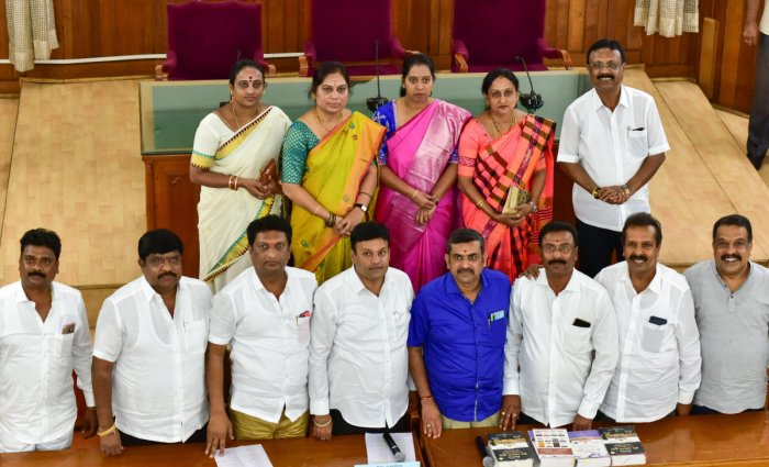 Mayor Goutham Kumar and his deputy C R Ram Mohan Raju with the new chairpersons of the BBMP standing committees. DH photo/Irshad Mahammad
