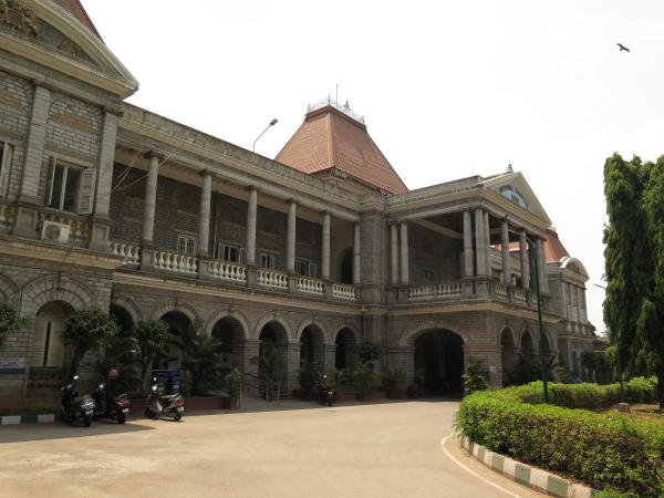 A photograph of Victoria Government Hospital in Bengaluru taken on April 7, 2019. (DH File Photo)