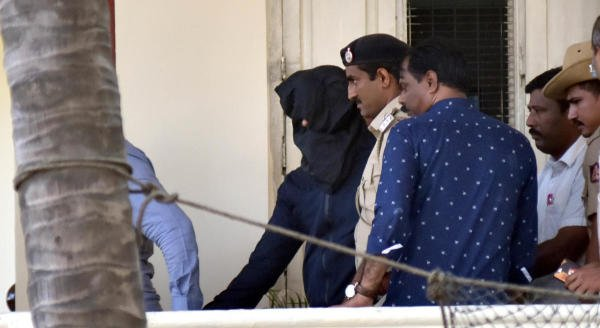 Mangalore Police takes Mangaluru airport bomb suspect Aditya Rao rom Halasuru Gate police station in Bengaluru on Wednesday, January 22, 2020. (DH Photo)