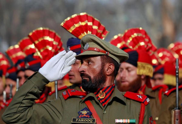 Indian police officers take part in a full dress rehearsal for the Republic Day parade in Srinagar, January 24, 2020. (Reuters Photo)