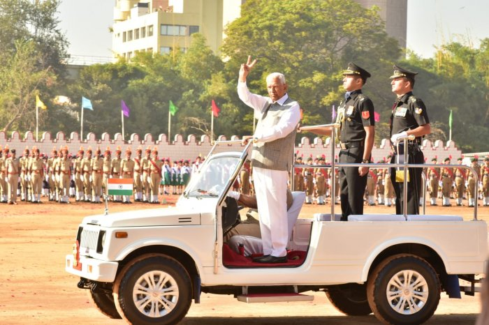 Governor Vajubhai Vala unfurled the national tri-colour and in his address explained the development activities in the state and various welfare measures taken by the government to improve the lives of people. Credit: Twitter (@mgouthamkumar76)
