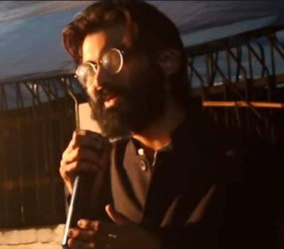 Sharjeel Imam delivering a speech. (YouTube video screenshot)