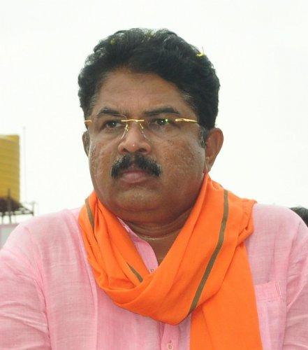 Revenue Minister RAshoka. (DH Photo)