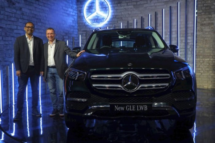 Martin Schwenk, Managing Director & CEO, Mercedes-Benz India, and Santosh Iyer, Vice-President, Sales & Marketing, Mercedes-Benz India, during the launch of the new GLE.