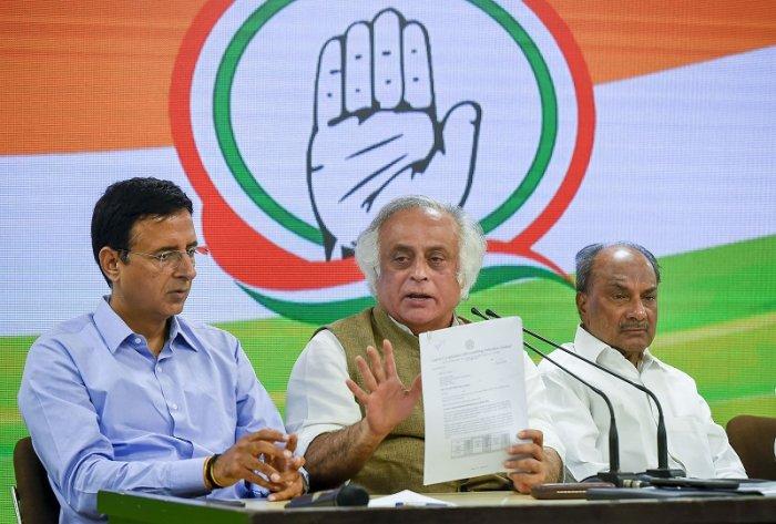 Senior Congress leaders Randeep S Surjewala, Jairam Ramesh. (PTI Photo)