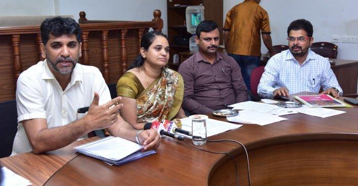 Mangaluru Smart City Limited (MSCL) Managing Director Mohammed Nazir speaks to reporters in Mangaluru.