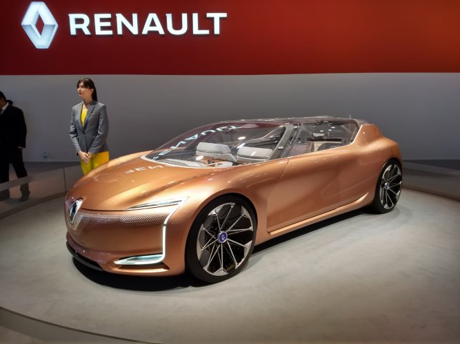 Renault too showcased a few concept electric cars that were absolute stunners and very futuristic looking.