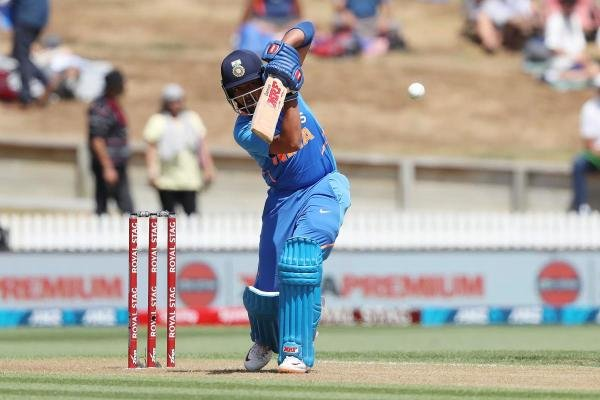 India's Prithvi Shaw bats during the first One Day International cricket match between New Zealand and India at Seddon Park in Hamilton on February 5, 2020. (Photo by MICHAEL BRADLEY / AFP)