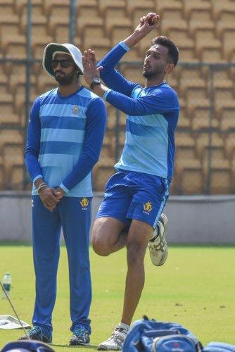 Prasidh Krishna of Karnataka cricket player at the practice session Karnataka vs Baroda Ranji Trophy cricket match at KSCA S Chinnaswamy stadium, Bengaluru. (DH Photo)
