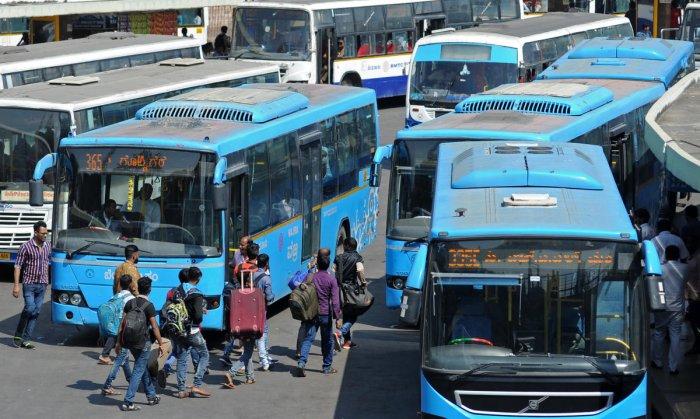 BMTC bus terminal at Majestic in Bengaluru. (DH Photo)