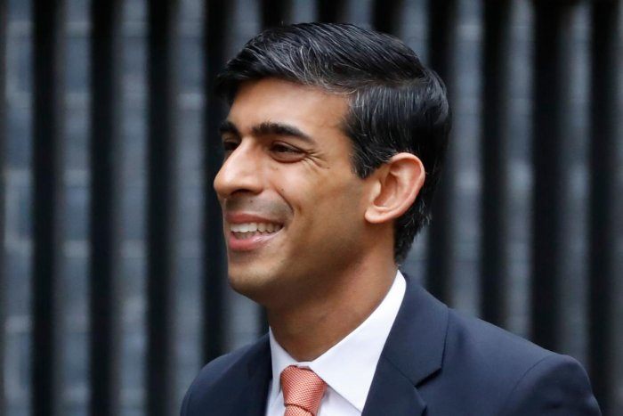 Britain's Chief Secretary to the Treasury Rishi Sunak arrives at 10 Downing Street in central London on February 13, 2020 as the prime minister reshuffles his team. (AFP Photo)