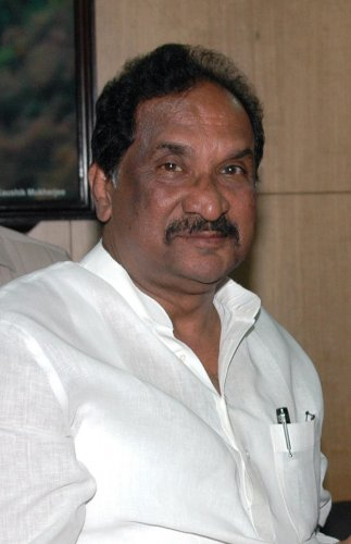 Former Minister K J George, a close confidant of former Chief Minister Siddarmaiah, met Congress president Sonia Gandhi and requested her to appoint a new party chief for the state immediately.