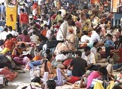 15,000 passengers stranded in Jammu
