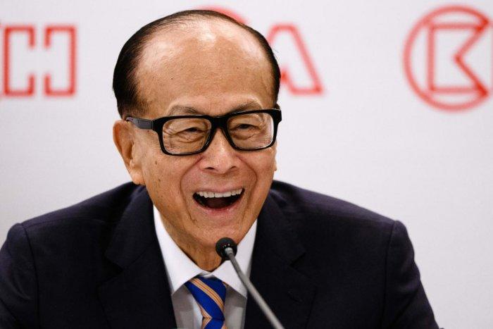 Hong Kong's richest, Li Ka-shing, retires at 89