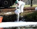 Saboteurs spill 600,000 litre oil in Italy river